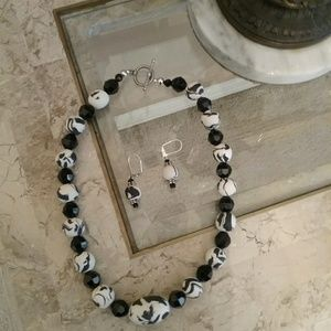 Jewelry - Vintage black & white necklace and earrings